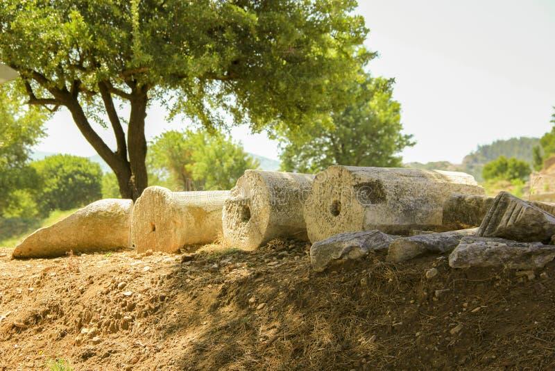 在efes的下落的柱子 图库摄影