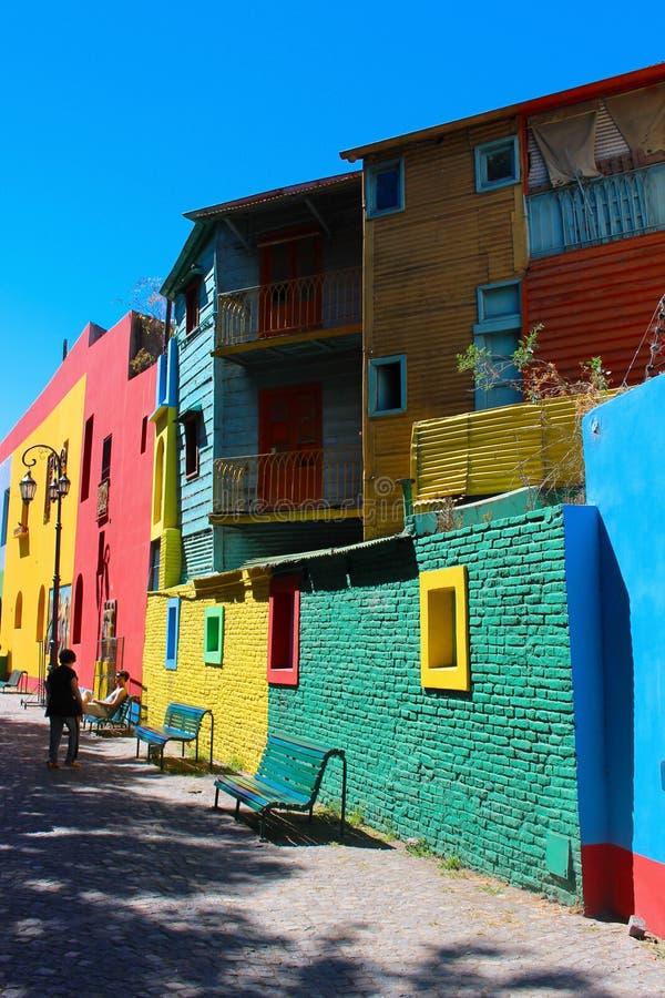 在El Caminito拉博卡布宜诺斯艾利斯的五颜六色的大厦 免版税库存照片