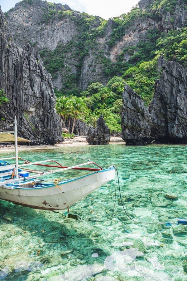 在El Nido,巴拉望岛,菲律宾的美好的热带风景 免版税库存图片