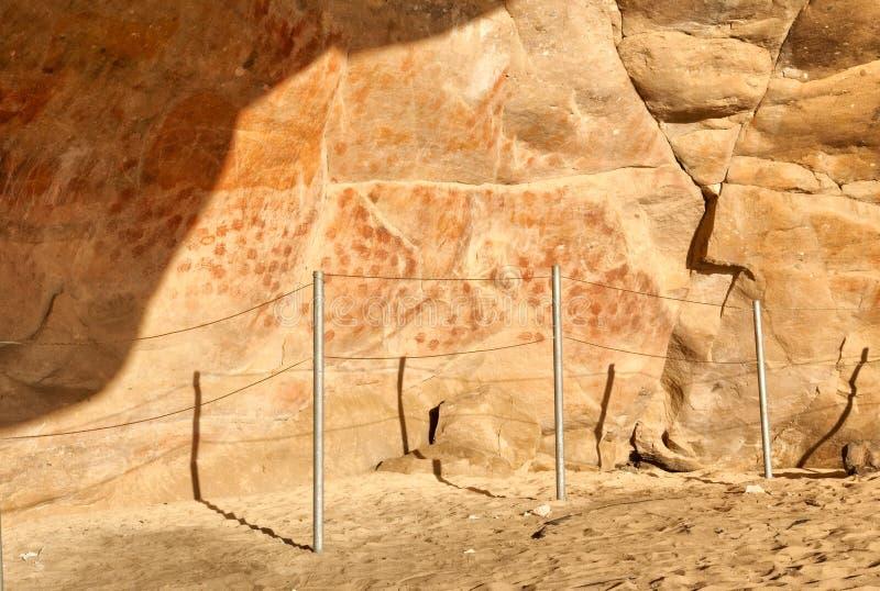 在Elands海湾洞的墙壁与岩石艺术 库存图片