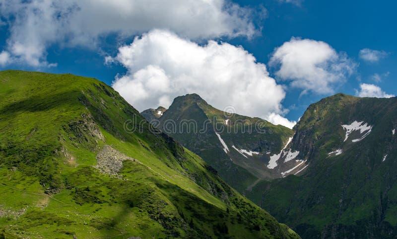 在Fagaras山,罗马尼亚的Transfagarasan路 库存照片