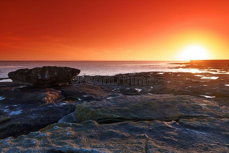 在finistere海岸的Le吉尔维内克岩石海岸 免版税库存图片