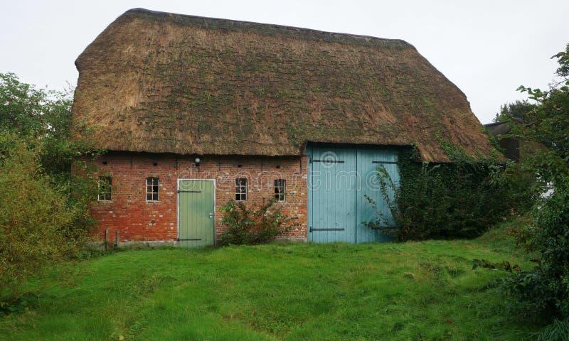 在Foehr海岛上的老谷仓 库存图片