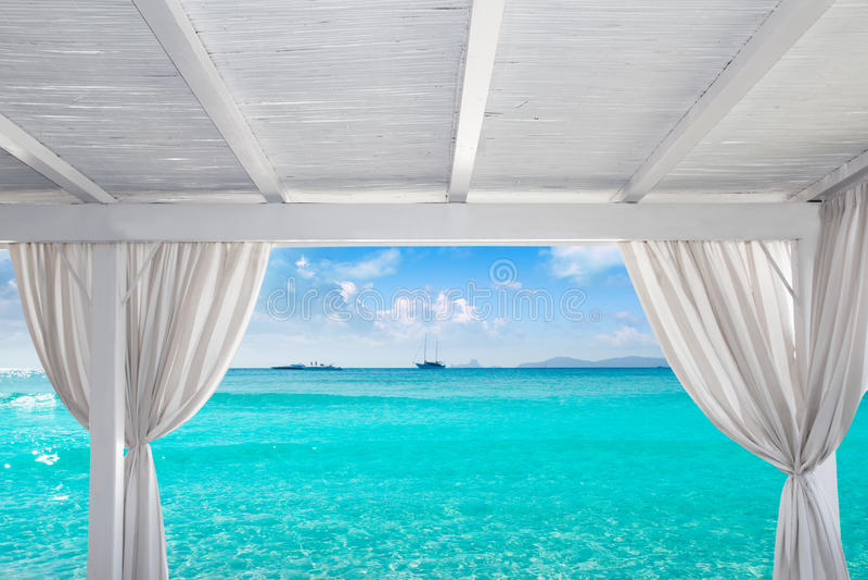 在Formentera Ibiza海滩的眺望台白色 免版税库存图片