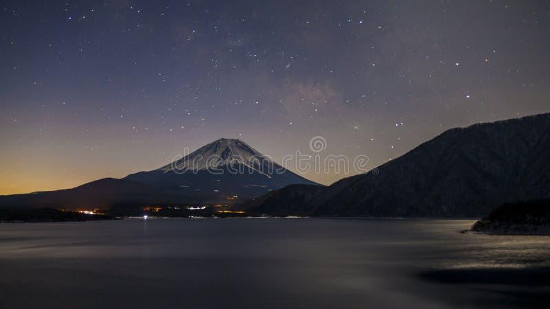 在Fujiyama的星 免版税库存照片