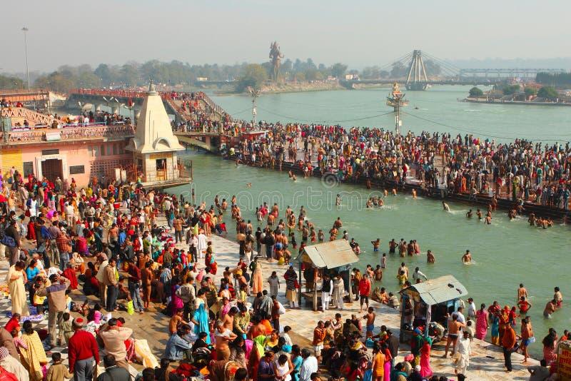在Ganga银行的Puja仪式  库存照片