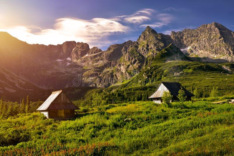 在Gasienicowa谷的日落 Tatra山 免版税库存照片