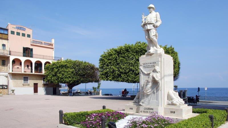 在Giardini纳克索斯的战争纪念建筑 免版税库存图片