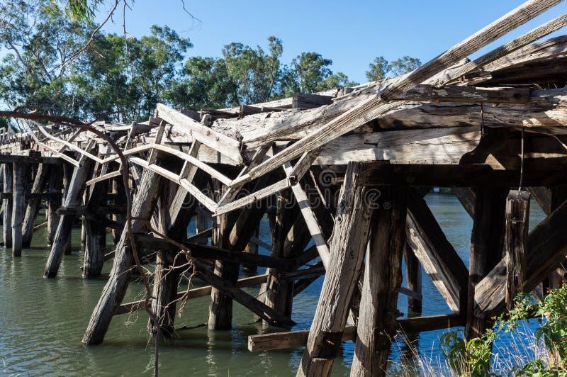 在Goulburn河的历史的Chinamans桥梁在Nagambie附近在澳大利亚 库存图片