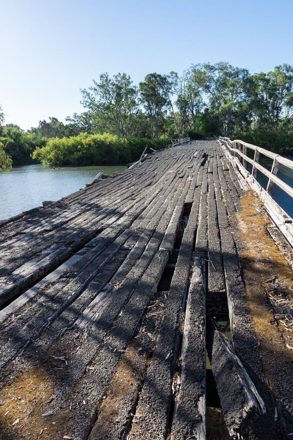 在Goulburn河的历史的Chinamans桥梁在Nagambie附近在澳大利亚 免版税图库摄影