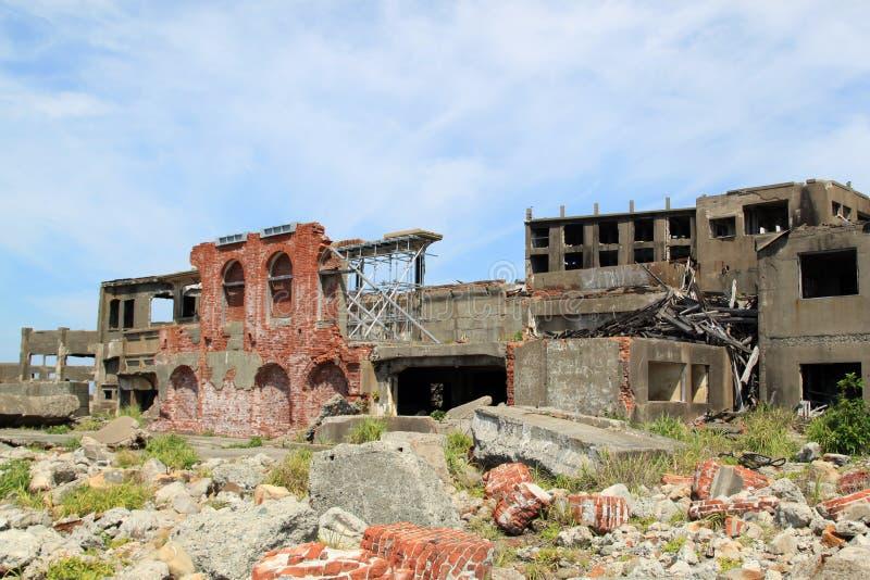 在Gunkanjima的被放弃的大厦 免版税库存照片
