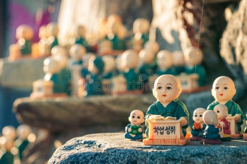 在Haedong Yonggungsa的小雕象 免版税图库摄影