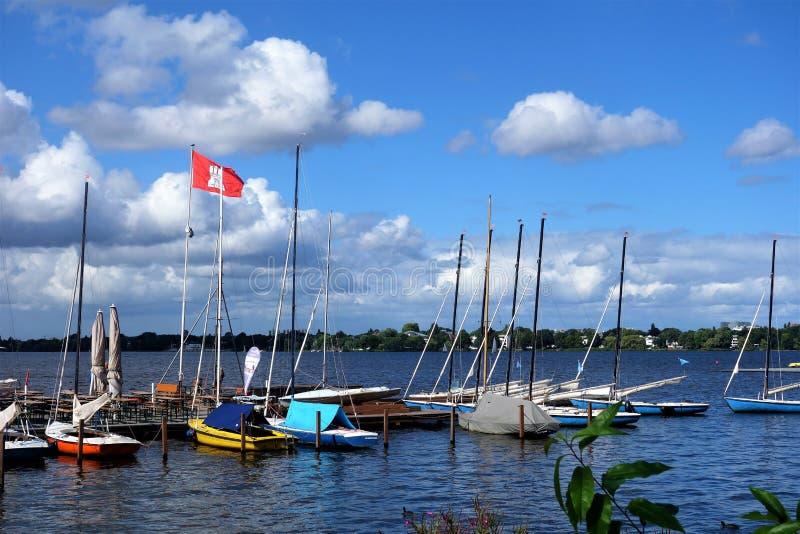 在Hamburg湖的小船 库存图片