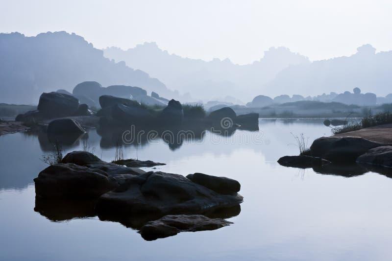 在hampi印度的河风景 免版税图库摄影