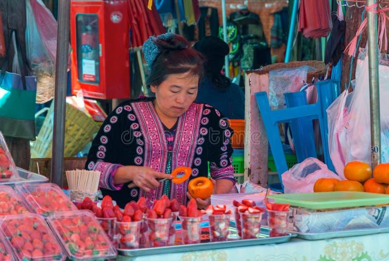 在Hmong村庄,泰国的地方市场 免版税库存照片