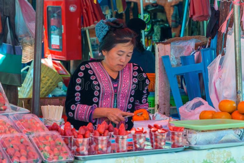在Hmong村庄,泰国的地方市场 库存图片