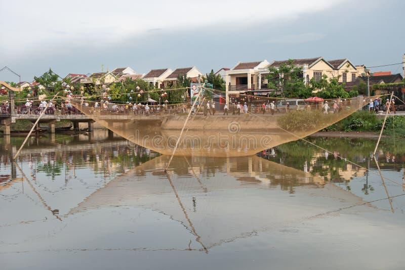 在Hoai河的捕鱼装置 图库摄影