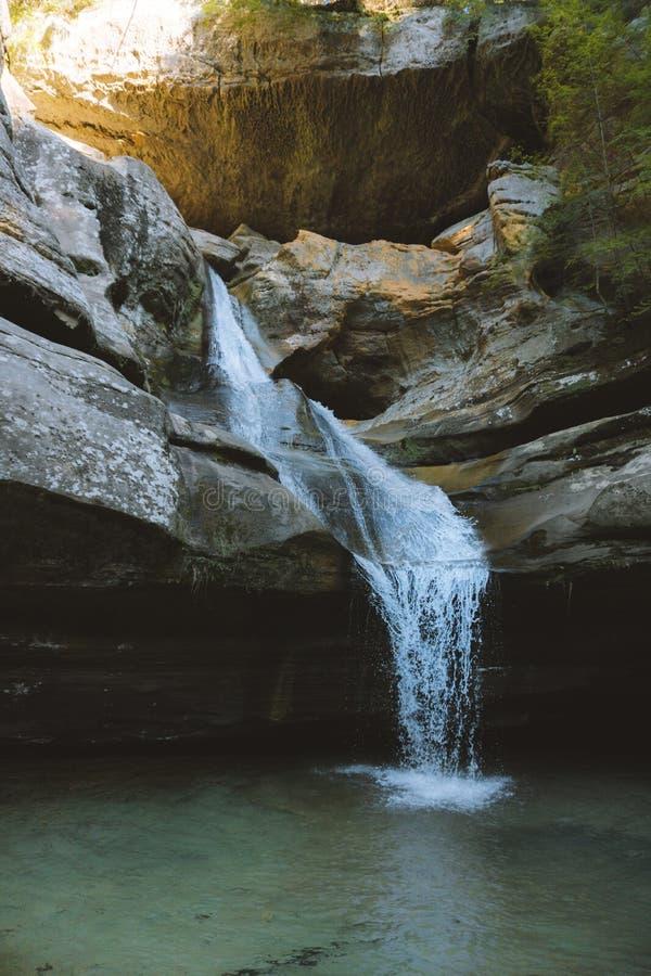 在Hocking小山的瀑布 库存照片