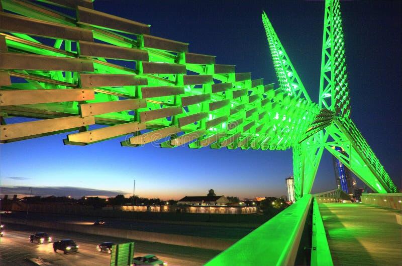 在I-40的Skydance桥梁在俄克拉何马市 图库摄影