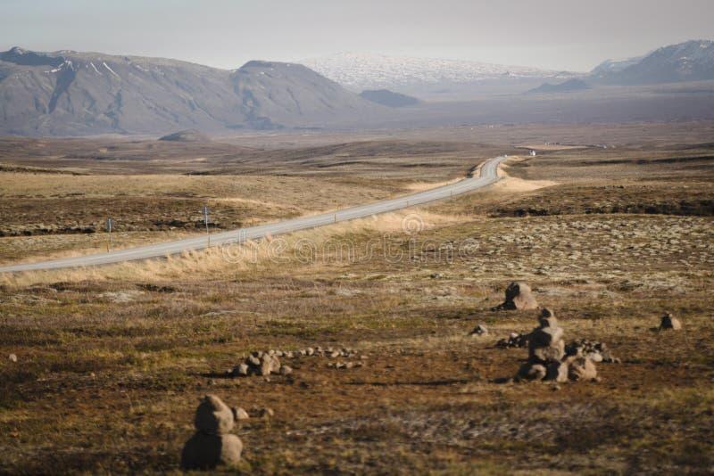 在icelland的偏僻的沙漠路 免版税库存照片