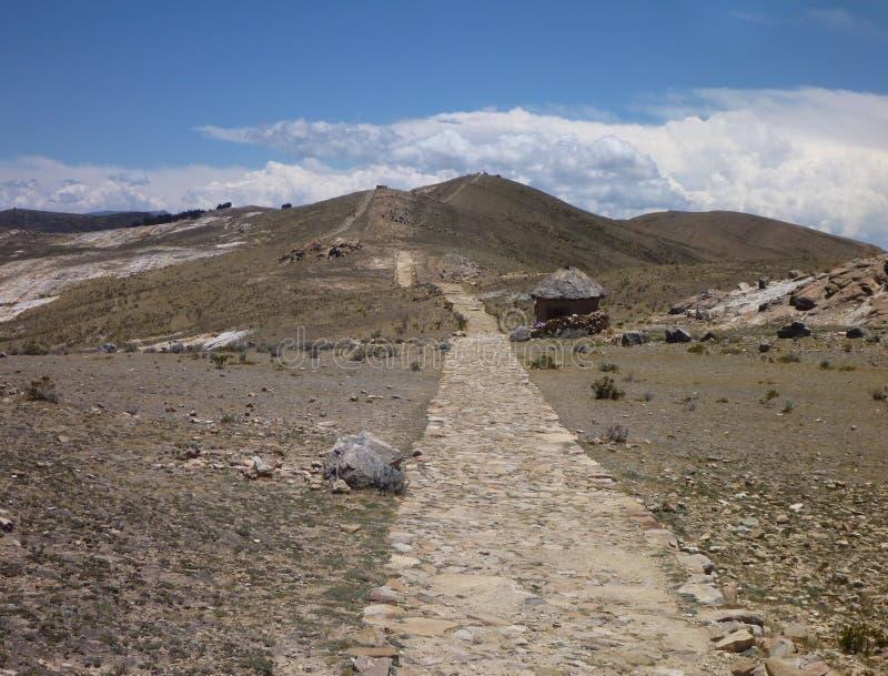 在isla在lago titicaca的del sol的Camino小径 免版税库存图片