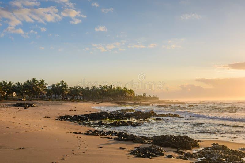 在Itapuã海滩-萨尔瓦多-巴伊亚-巴西的日出 库存图片