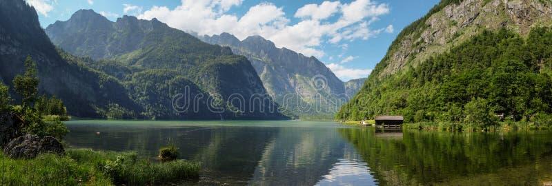 在Königssee的全景视图在巴伐利亚 库存图片