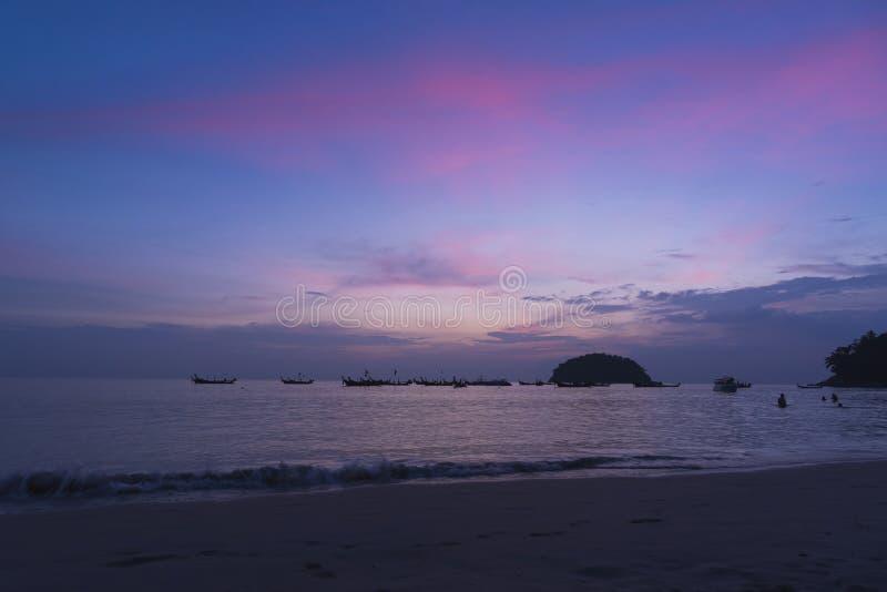 在Kata海滩的日落 库存照片