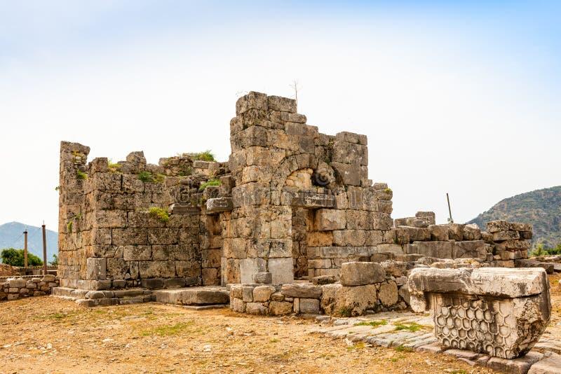 在Kaunos考古学站点的大教堂在Dalyan,土耳其 免版税图库摄影