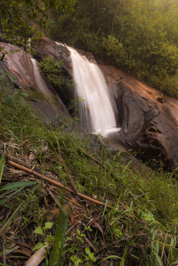 在Khao Krajom的美丽的瀑布 库存图片