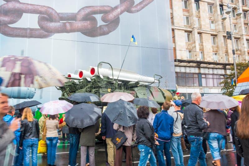 在Khreshchatyk街的美国独立日在Kyiv,乌克兰 军用设备的陈列 社论 08 24 2017年 库存图片