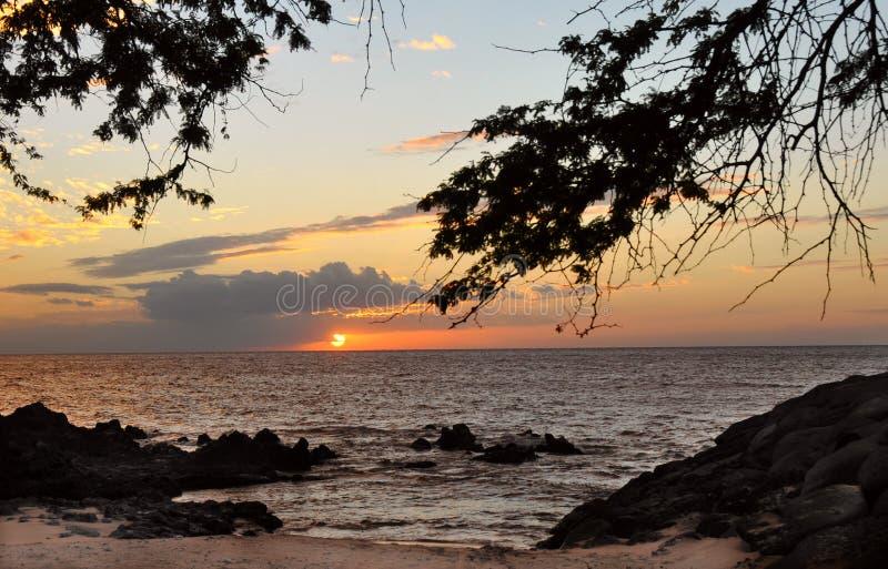 在Kihei小游艇船坞毛伊夏威夷的日落 库存图片