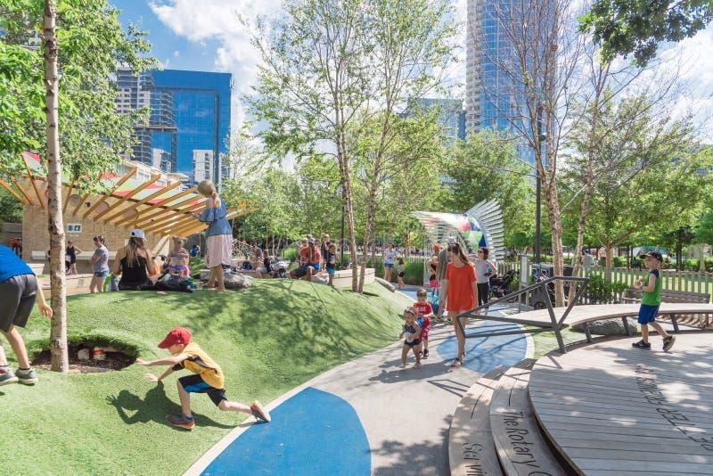 在Klyde沃伦公园的儿童地区在街市达拉斯,得克萨斯 免版税库存图片