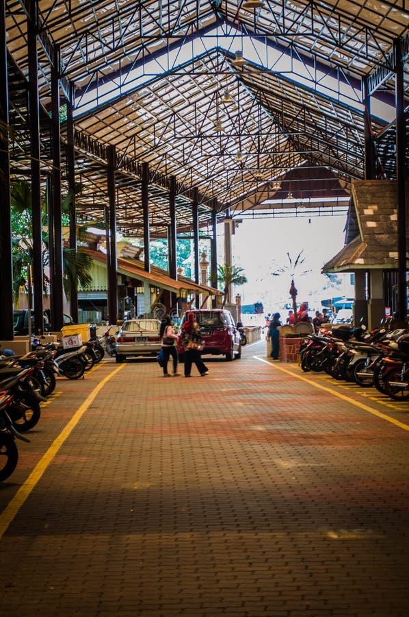 在kota bharu吉兰丹马来西亚人的住宅区的街道 库存照片