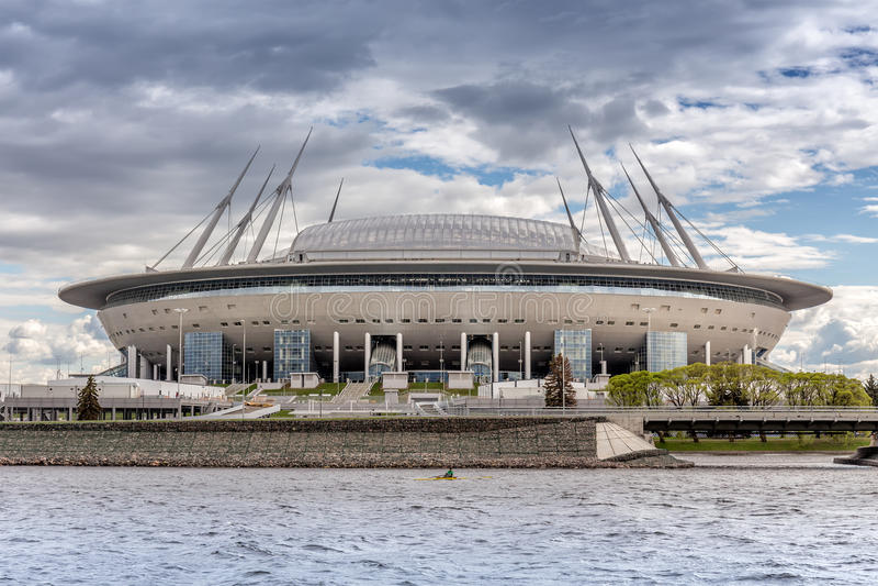 在Krestovsky海岛上的新的足球`圣彼德堡竞技场`在世界杯的圣彼德堡2018年 库存照片