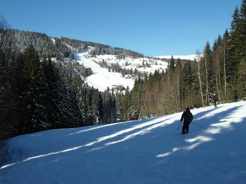 在KrkonoÅ ¡ e山的寒假手段 免版税库存照片