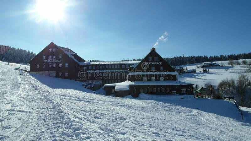 在KrkonoÅ ¡ e山的寒假手段 图库摄影