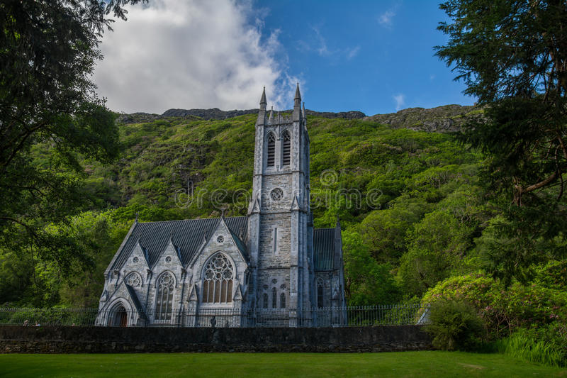 在Kylemore修道院的Chirch, Connemara 库存照片
