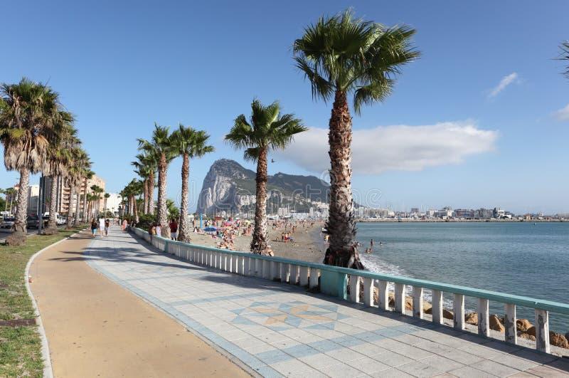 在La Linea西班牙的散步 免版税库存照片