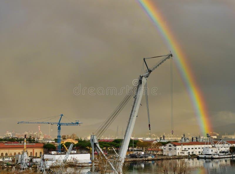 在la spezia海湾的彩虹 库存照片