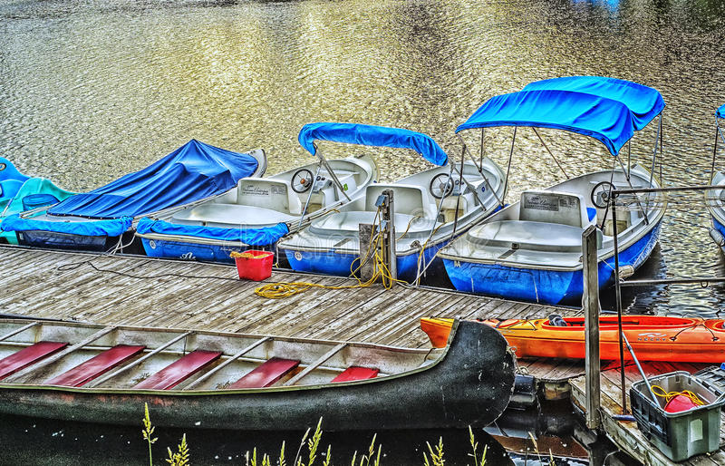 在Lachine运河的小船 库存照片