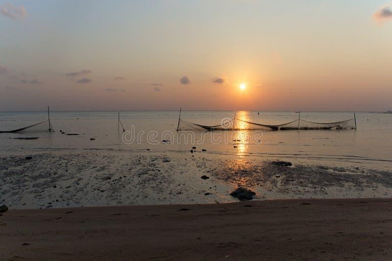在Laem亚伊的渔夫的网靠岸,酸值苏梅岛 免版税库存图片