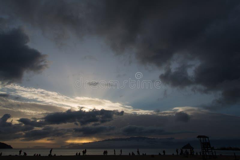在Laginha海滩的日落在明德卢 免版税库存图片