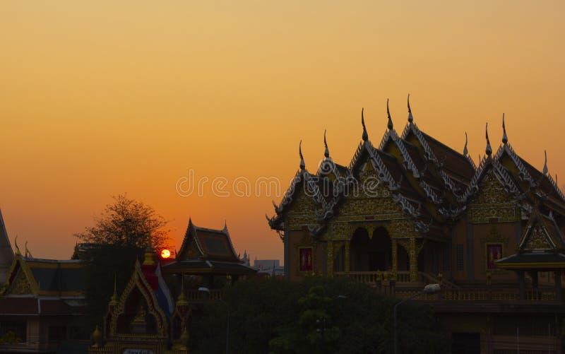 在Laksi寺庙的日落 库存照片