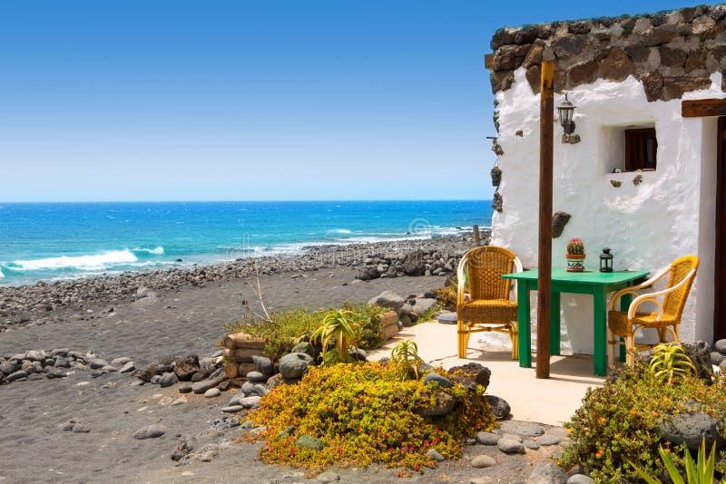 在Lanzarote白色的El Golfo安置门面 库存图片