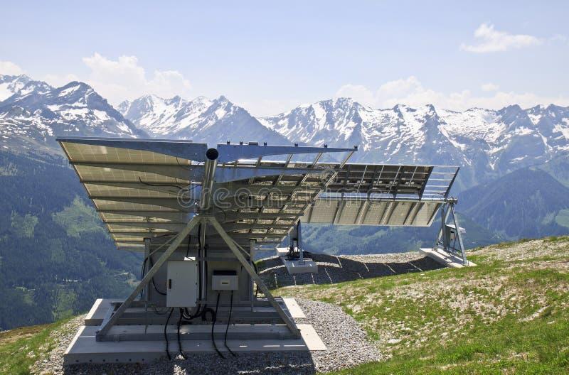 在Latschenalm的太阳电池板,盖洛斯,奥地利 库存图片
