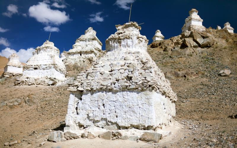 在Leh -拉达克-印度附近的Stupas 库存照片