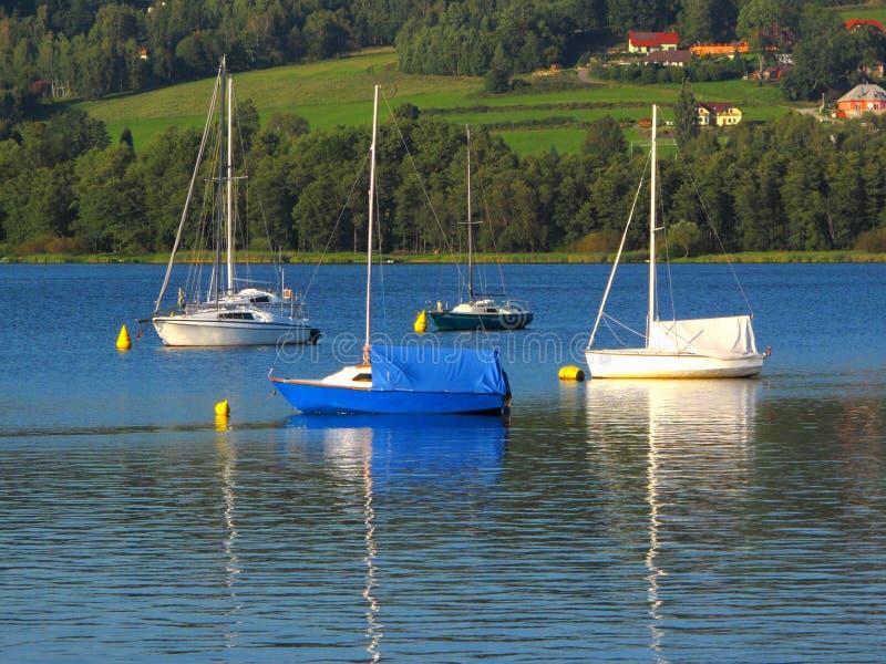 在Lipno湖的船,捷克共和国。 免版税库存图片