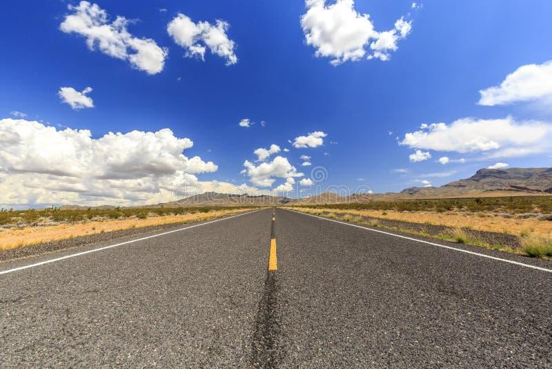 在Littlefield附近的不尽的高速公路91 免版税库存图片