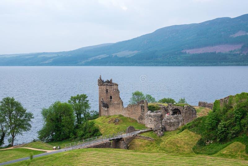 在Loch Ness湖,苏格兰,英国的厄夸特城堡 免版税库存图片